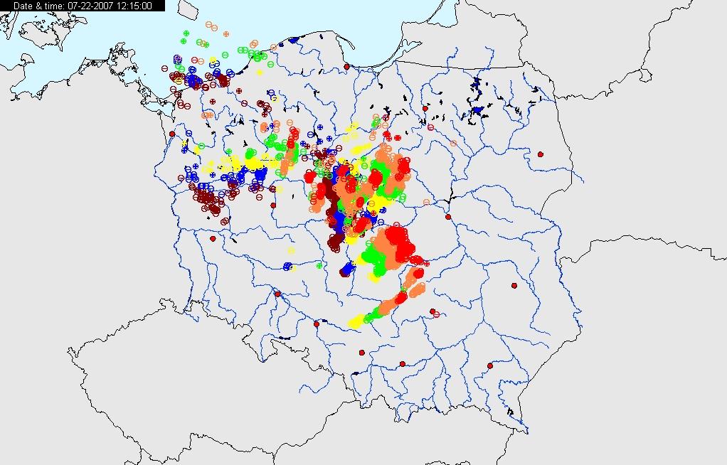 Mapa wyładowań burzowych nad Polską z dnia 22.07.2007 godz. 12 UTC